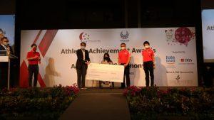 prize-presentation-yip-pin-xiu